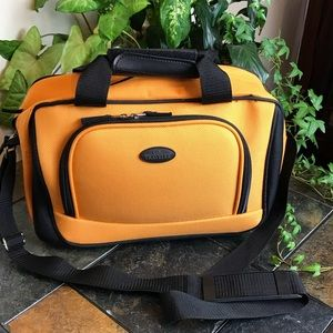 Travel bag US Traveler almost New! Excelente cond.